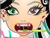 Вампирша: Визит к дантисту