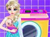 Эльза стирает одежду малыша